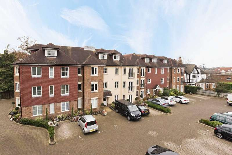 2 Bedrooms Apartment Flat for sale in Oakwood Grange,Oatlands Chase, Weybridge KT13