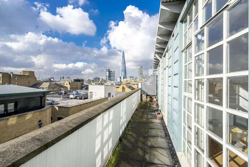 2 Bedrooms Flat for sale in Tamarind Court, Gainsford Street, SE1