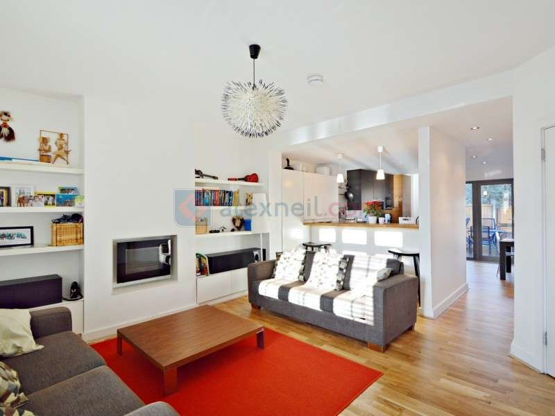 3 Bedrooms Terraced House for sale in Hesperus Crescent, Docklands E14