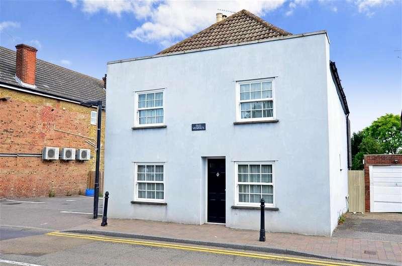 4 Bedrooms Detached House for sale in High Street, Newington, Sittingbourne, Kent
