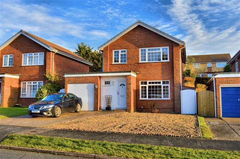 3 Bedrooms Detached House for sale in Princess Drive, Seaford, East Sussex