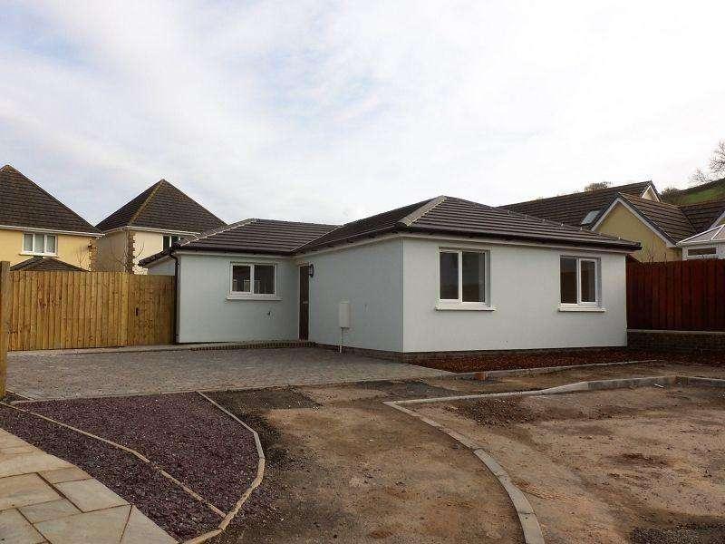 3 Bedrooms Detached Bungalow for sale in Parc Y Ffynnon Ferryside, Carmarthenshire.