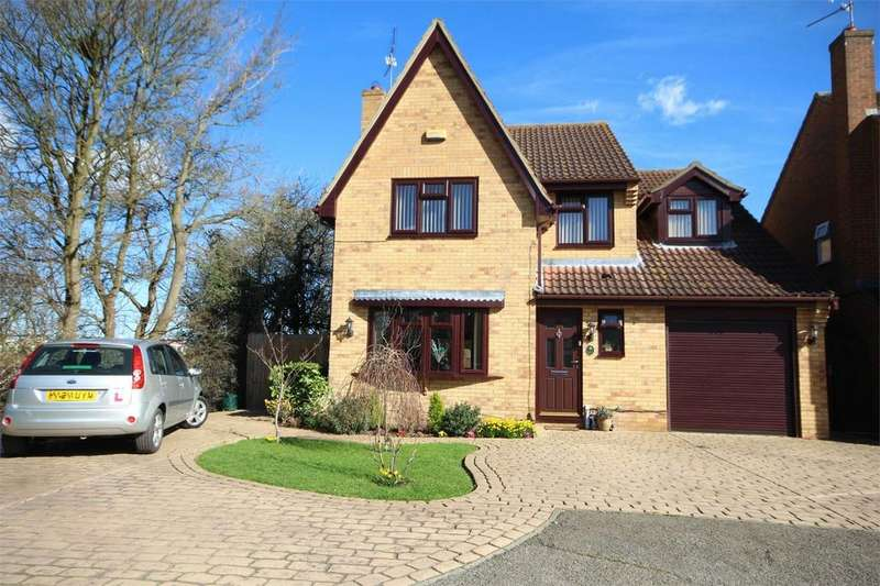 5 Bedrooms Detached House for sale in Blacksmith Close, Springfield, CHELMSFORD, Essex