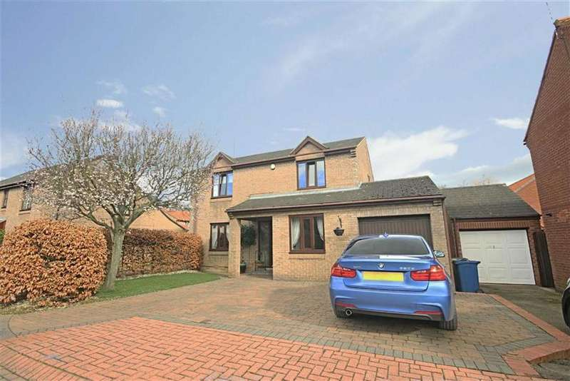 4 Bedrooms Detached House for sale in High Back Close, Jarrow, Tyne Wear