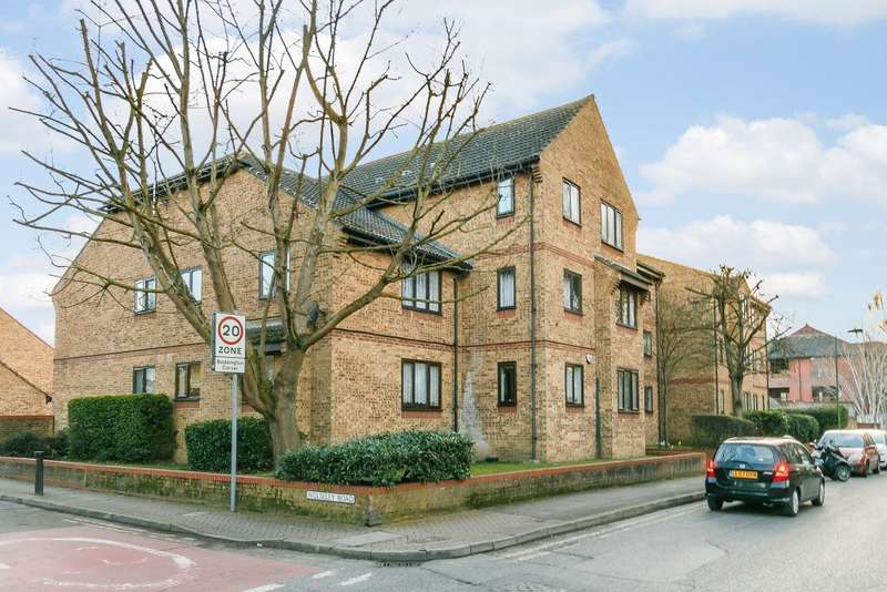 1 Bedroom Flat for sale in Mill Green Road, Mitcham Junction, Surrey, CR4 4HY