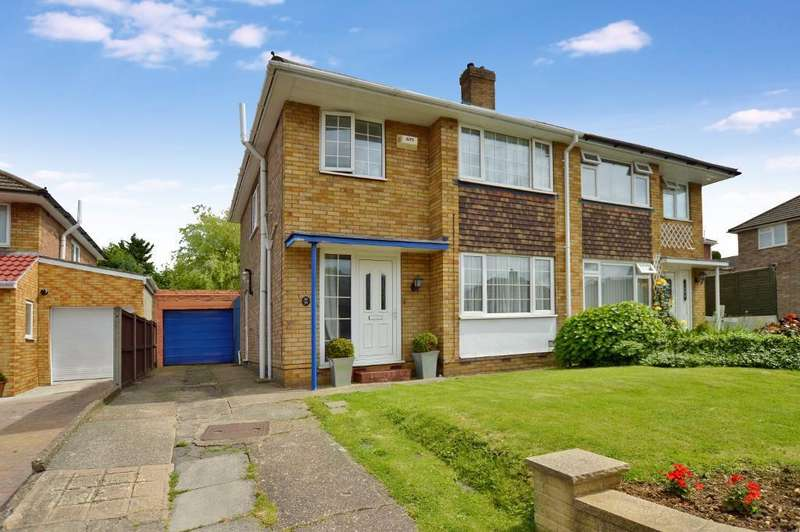 3 Bedrooms Semi Detached House for sale in Kynance Close, Stopsley, Luton, LU2 9DN