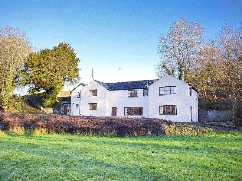 5 Bedrooms Detached House for sale in Tyr Yr Wen, Coed-yr-ynys Road, Llangynidr, Crickhowell, Powys.