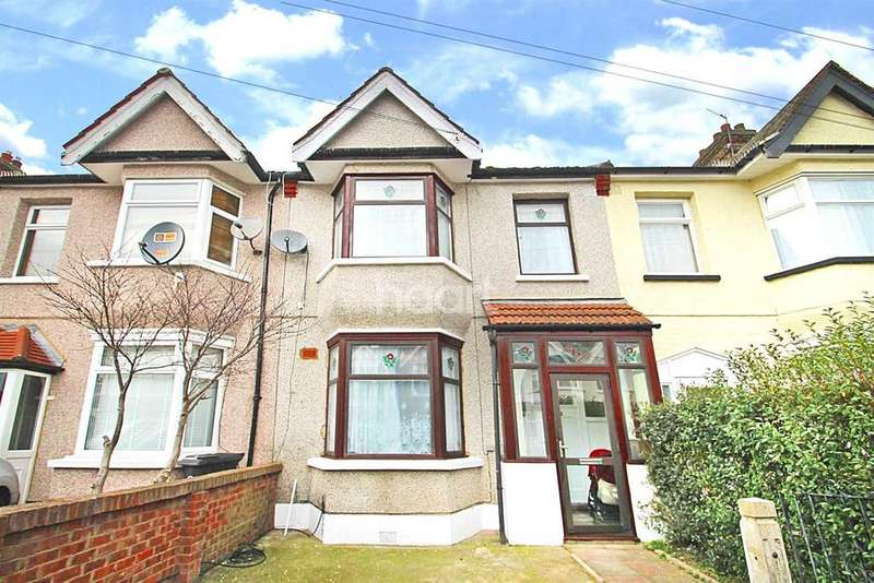3 Bedrooms Terraced House for sale in Cavenham Gardens, Ilford, Essex