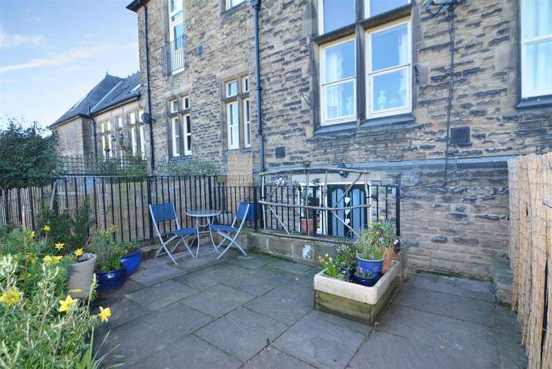 4 Bedrooms House for sale in All Saints Court, Otley