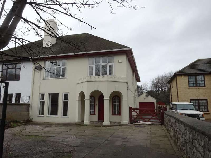 4 Bedrooms Semi Detached House for sale in Brighton Road, Rhyl