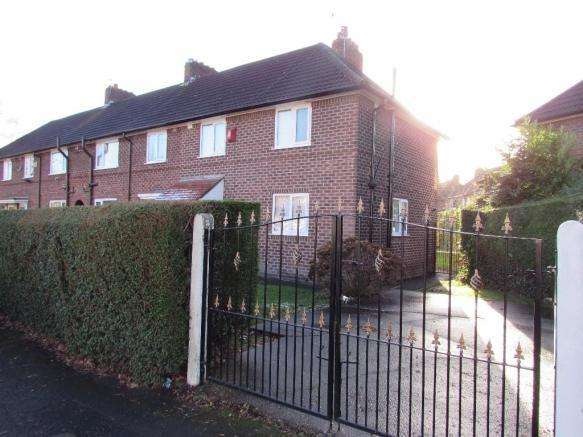 3 Bedrooms Semi Detached House for sale in Littlewood Road, Manchester