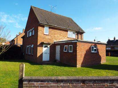 3 Bedrooms Semi Detached House for sale in Fakenham, Norfolk