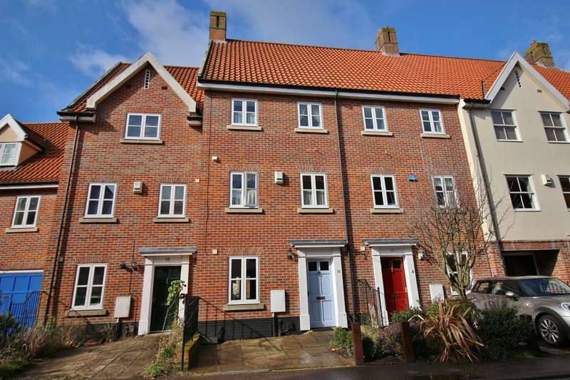 2 Bedrooms Terraced House for sale in Coslany Street, Norwich