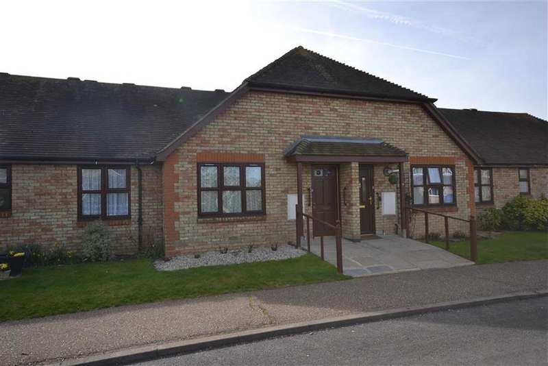 1 Bedroom Sheltered Housing Retirement Property for sale in Clements Green Lane, South Woodham Ferrers, Essex