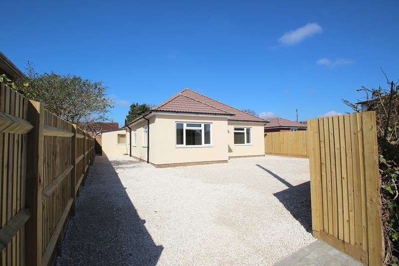 3 Bedrooms Detached Bungalow for sale in Wynton Way, Fareham