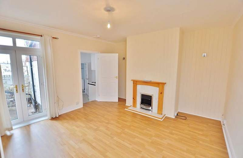 2 Bedrooms Flat for sale in Addycombe Terr, Heaton, Newcastle Upon Tyne