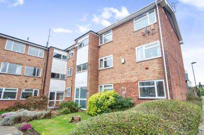 1 Bedroom Flat for sale in Stafford Close, Oakwood, London