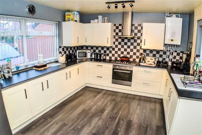 4 Bedrooms Property for sale in Easton Road, Droylsden, Manchester, M43