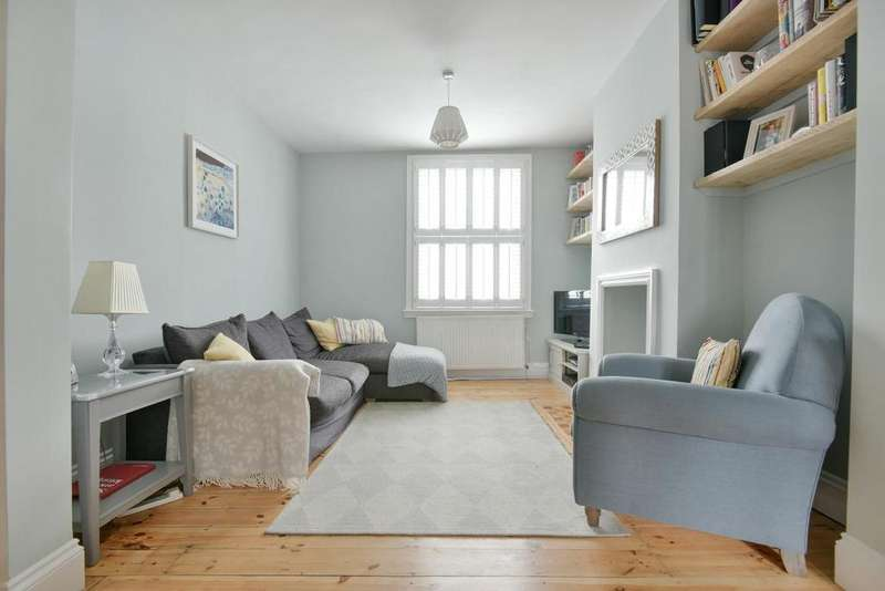 3 Bedrooms Terraced House for sale in Frogley Road, East Dulwich, SE22