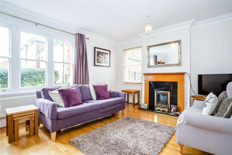 2 Bedrooms Flat for sale in Sisters Lodge, Goldsmith Way, St. Albans, Hertfordshire