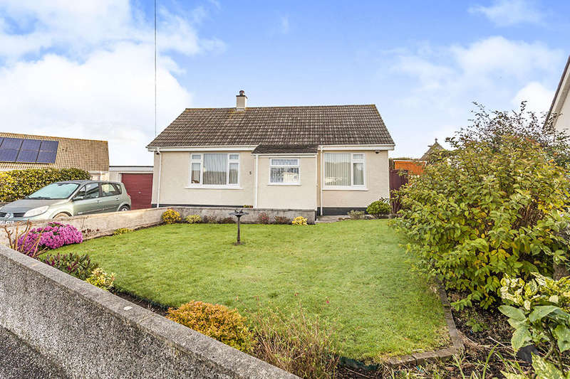 2 Bedrooms Detached Bungalow for sale in Highland Park, Redruth, TR15