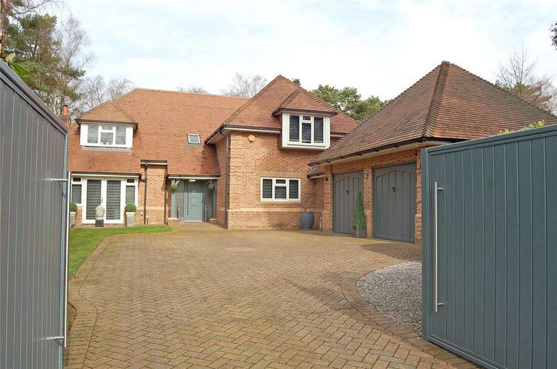 5 Bedrooms Detached House for sale in Ashley Drive South, Ashley Heath, Ringwood, BH24