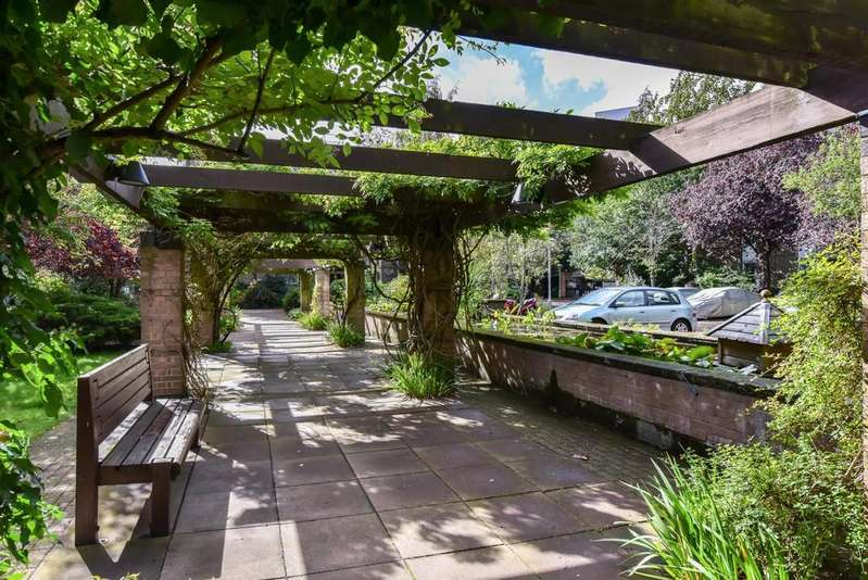 1 Bedroom Apartment Flat for sale in BRAMLANDS CLOSE, SW11