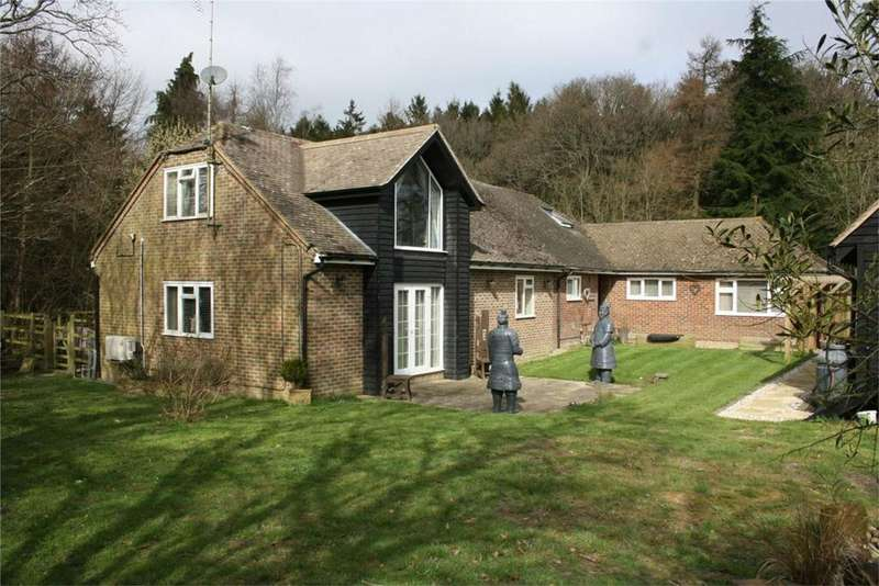 4 Bedrooms Detached House for sale in Darwell Hill, NETHERFIELD, East Sussex