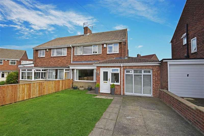 3 Bedrooms Property for sale in Sandringham Close, Whitley Bay