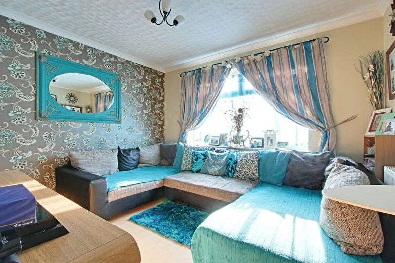 2 Bedrooms Terraced House for sale in Boulsworth Avenue, Hull