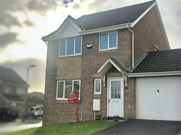 3 Bedrooms Detached House for sale in Dol Werdd, Waunceirch, Neath, West Glamorgan
