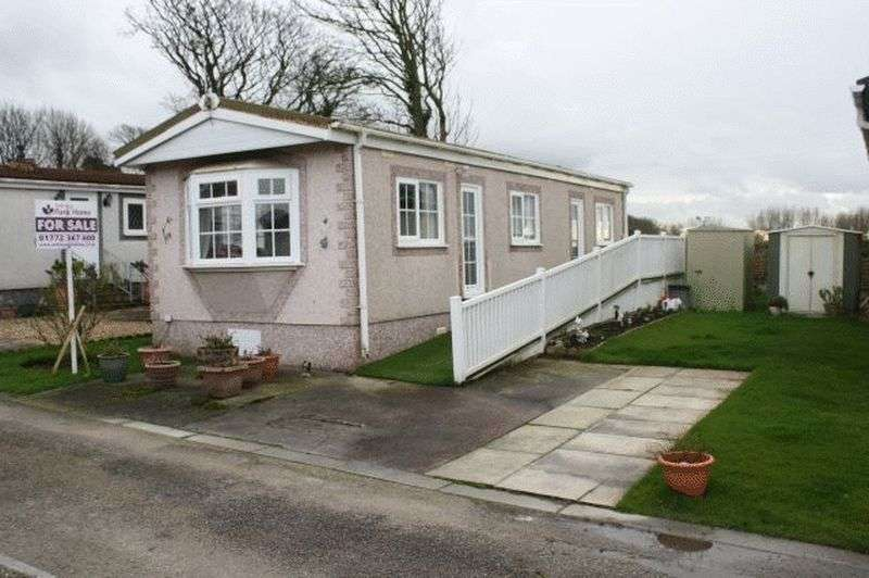 1 Bedroom Bungalow for sale in 4 Stalmine Hall Park, Hallgate Lane, Stalmine, Lancashire, FY6 0LD