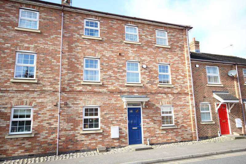 3 Bedrooms Terraced House for sale in Pine Street, Fairford Leys