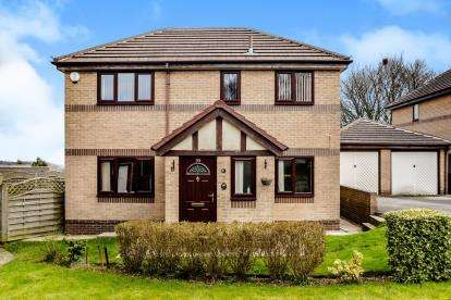 5 Bedrooms Detached House for sale in Mendip Avenue, Lindley, Huddersfield, West Yorkshire