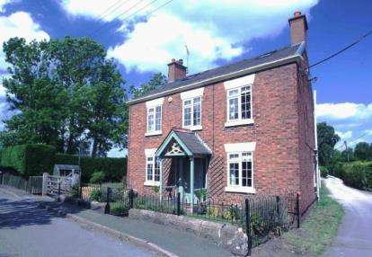 4 Bedrooms Detached House for sale in Station Road, Calveley, Tarporley, Cheshire