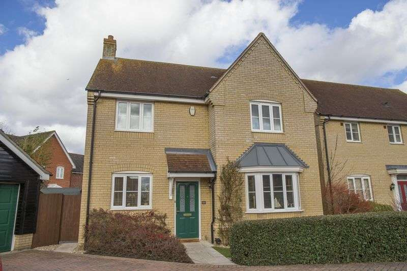 4 Bedrooms Detached House for sale in Blackbird Drive, Bury St Edmunds