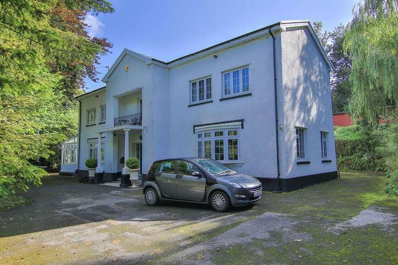 4 Bedrooms Detached House for sale in Betws, Ammanford