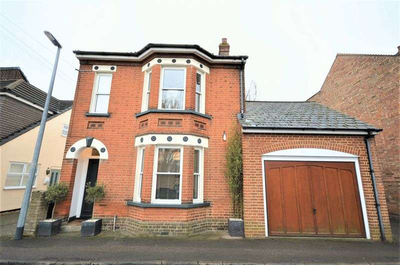 3 Bedrooms Detached House for sale in Queen Street.