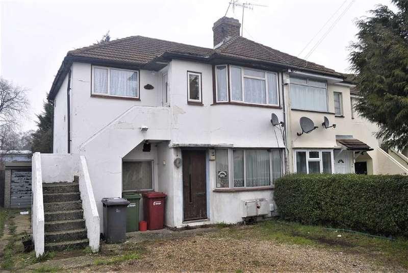 1 Bedroom Flat for sale in Wiltshire Avenue, Slough, Berkshire