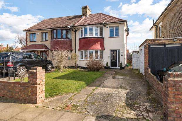 3 Bedrooms Semi Detached House for sale in Teignmouth Road, Welling, DA16