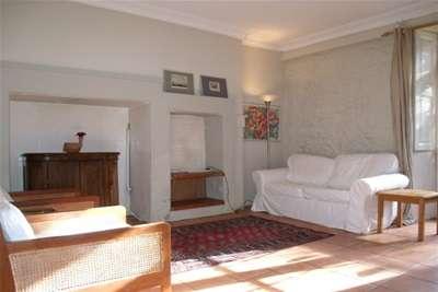 2 Bedrooms Flat for rent in Kew Terrace, Dowanhill