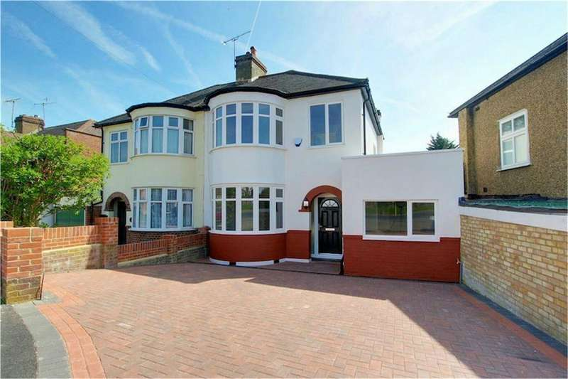 3 Bedrooms Semi Detached House for sale in Coteford Close, Loughton, Essex