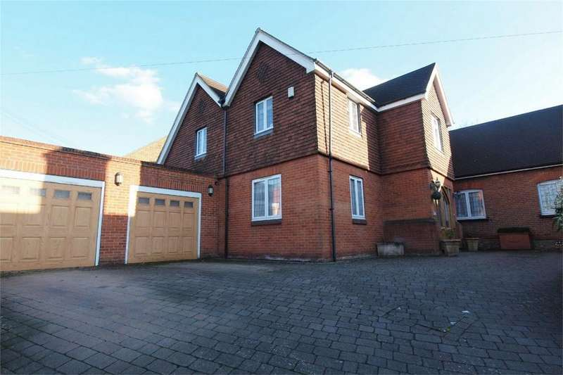 5 Bedrooms Detached House for sale in Corkscrew Hill, West Wickham, Kent