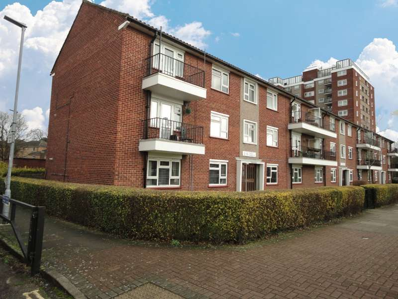 2 Bedrooms Flat for sale in Percy Gardens, Isleworth, TW7