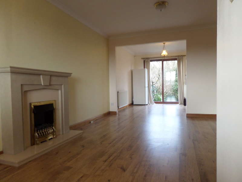 3 Bedrooms Barn Conversion Character Property for rent in Almond Road, Bearsden