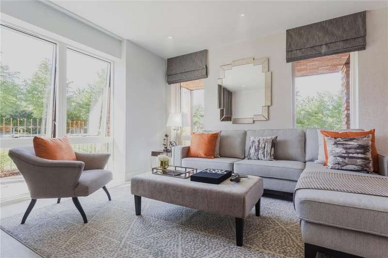 2 Bedrooms Apartment Flat for sale in Abbotsford Court, Royal Waterside, Park Royal, NW10