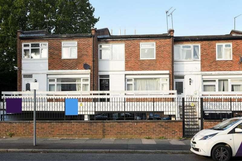 3 Bedrooms Maisonette Flat for sale in Crown Lane, Southgate, N14