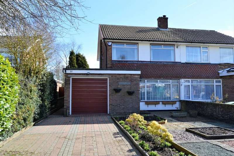 3 Bedrooms Semi Detached House for sale in Robins Avenue, Lenham