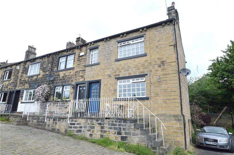 3 Bedrooms Terraced House for sale in Crimbles Terrace, Pudsey, West Yorkshire