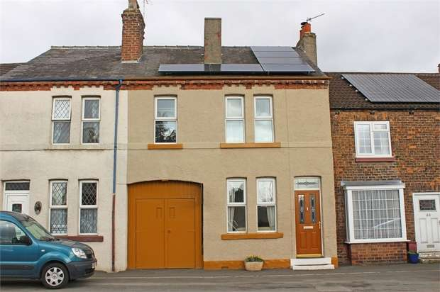 3 Bedrooms Terraced House for sale in Long Street, Thirsk, North Yorkshire